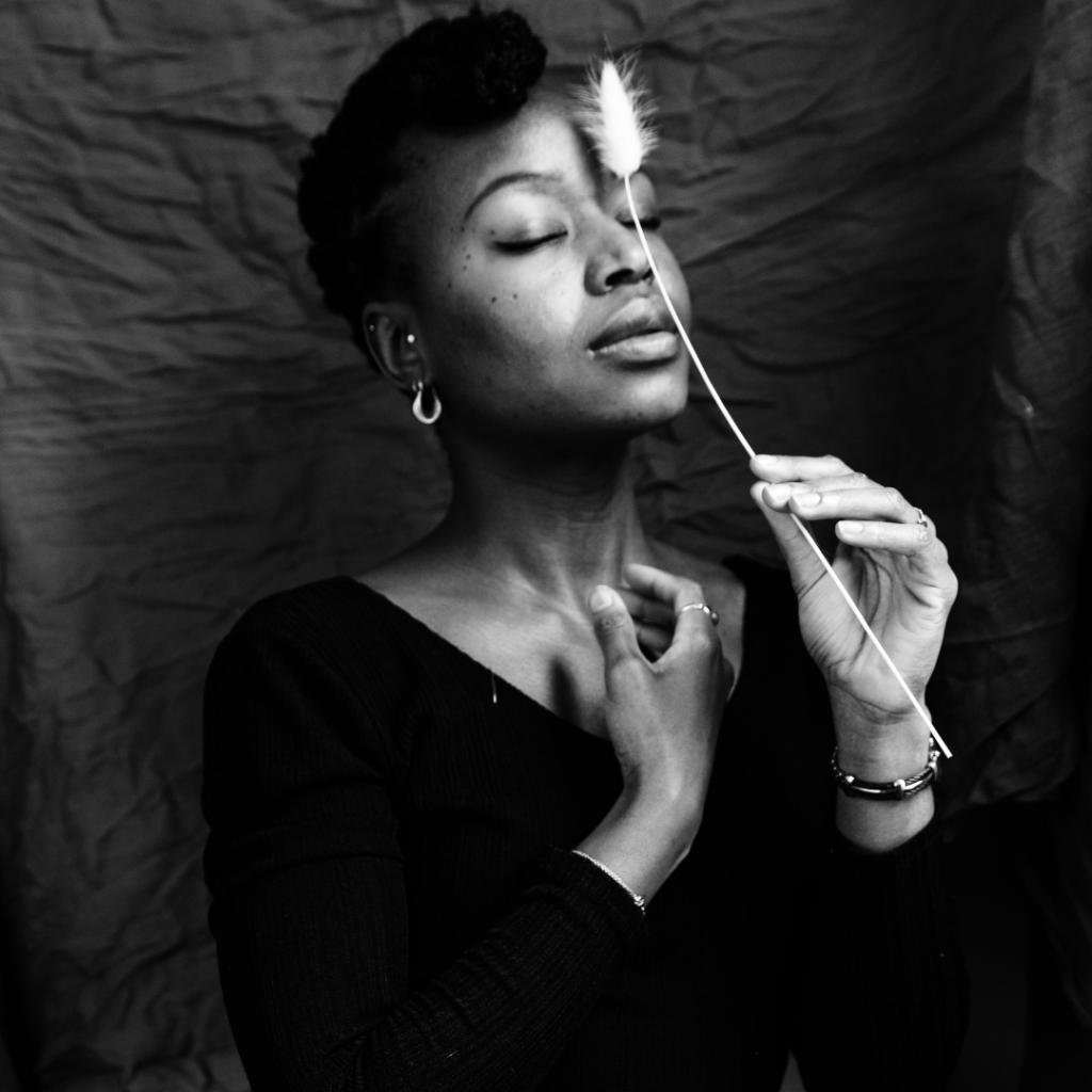 Mahuna Poésie: portrait d'une poétesse moderne
